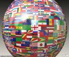 Sphère avec des drapeaux des cinq continents, Asie, Europe, Amérique, Océanie et Afrique