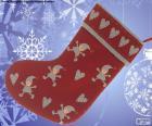 Chaussette de Noël décoré avec les elfes et les coeurs