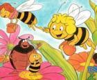 Maya a volé avec l'enseignant Cassandra porter un pot de miel chacun, tout en Wili saluer leurs amis et Kurt