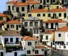 Maisons typiques du village de Câmara de Lobos - Madère - (Portugal)