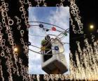 opérateur mise ornementales lumières de Noël