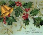 Cloches de Noël décorées avec des feuilles de houx
