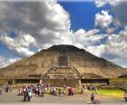 Pyramide du Soleil, le plus grand édifice dans la ville archéologique de Teotihuacan, au Mexique