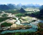 La Chine rurale, les champs de riz et de la rivière