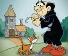 Le méchant sorcier Gargamel et son chat Azraël, les ennemis des Schtroumpfs