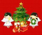 Deux anges avec un arbre de Noël