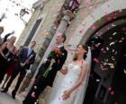 La mariée et palefrenier laissant la cérémonie wedding