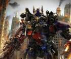 Grand robot Transformer de Disney