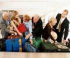Plusieurs personnes de collecte de vos bagages