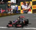 Lewis Hamilton célèbre sa victoire dans le Grand Prix du Canada (2012)