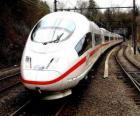 Un TGV ou train à grande vitesse à passagers