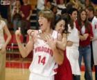 Gabriella Montez embrasse Troy Bolton