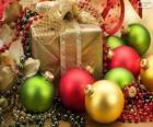 Cadeau de Noël décoré