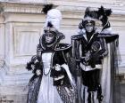 Deux costumes élégants