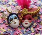 Deux masques et confettis