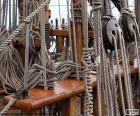 Cordes et des poulies de bateau