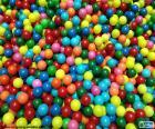 Piscine de boules colorées