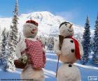 Une paire de bonhommes de neige