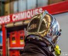 Casque de pompier chromé