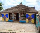 Maison décorée avec des motifs ethniques dans la population de N'Debele, Afrique du Sud