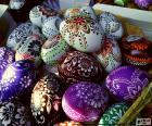 Oeufs décorés de fleurs