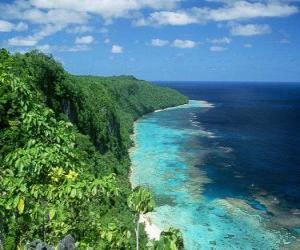 Puzzle Rennell Est est l'atoll corallien du monde du plus grand élevés. Solomon Islands.