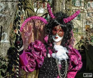 Puzzle Robe de carnaval rose