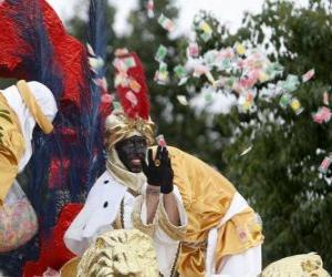 Puzzle Roi Balthazar à la parade jetant des bonbons