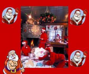 Puzzle Santa Claus à partir de la lecture des lettres des enfants qu'il a reçus pour Noël