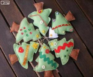 Puzzle Six petits arbres de Noël