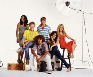 Puzzle Tchad (Corbin Bleu), Taylor (Monique Coleman), Gabriella Montez (Vanessa Hudgens) Troy Bolton (Zac Efron), Sharpay Evans (Ashley Tisdale), Ryan Evans (Lucas Grabeel)