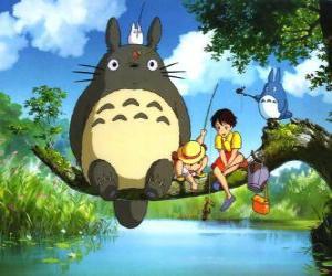Puzzle Tororo, le roi de la forêt et ses amis dans le film d'anime Mon Voisin Tororo