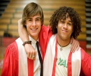 Puzzle Troy Bolton (Zac Efron) et Chad (Corbin Bleu) le jour de l'obtention du diplôme