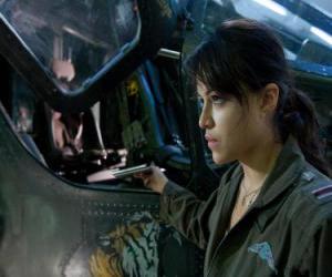 Puzzle Trudy Chacon, un Marine Corps pilote qui devient un renégat.
