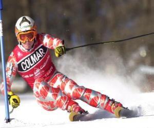 Puzzle Un skieur de compétition de slalom