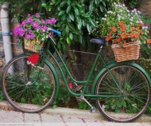 Puzzle Vélo avec des paniers pleins de fleurs