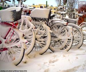 Puzzle Vélos en hiver