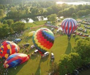 Puzzle Vue aérienne d'un festival de montgolfières